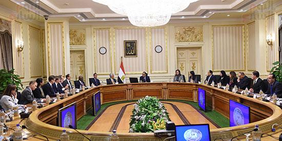 رئيس الوزراء يتابع موقف تأثيث مقار الوزارات بالعاصمة الإدارية  (3)