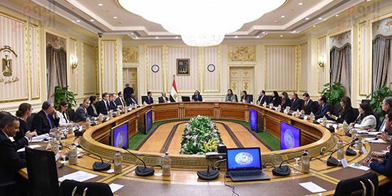 رئيس الوزراء يتابع موقف تأثيث مقار الوزارات بالعاصمة الإدارية  (2)