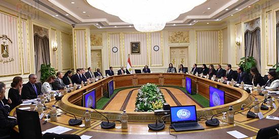 رئيس الوزراء يتابع موقف تأثيث مقار الوزارات بالعاصمة الإدارية  (1)