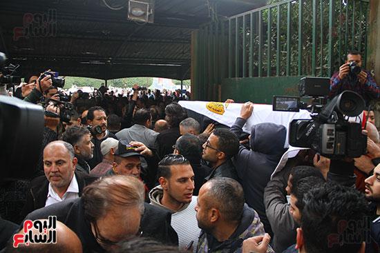 جنازة الفنانة ماجدة (35)