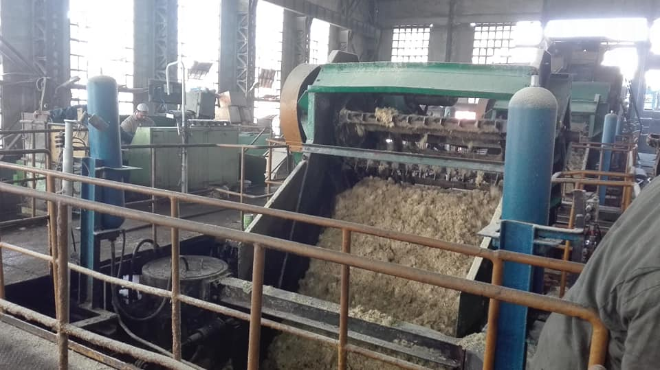 شاهد عصير القصب في مصنع سكر أرمنت وإنتاج كميات السكر في الموسم الجديد (2)
