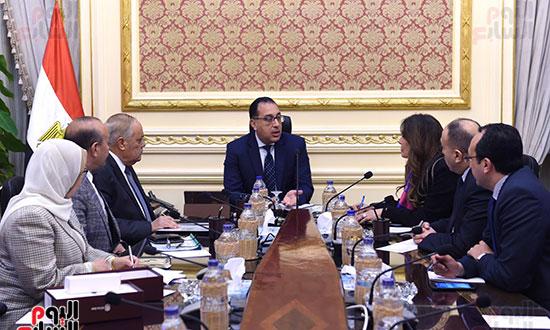 رئيس الوزراء يتابع موقف تأثيث مقار الوزارات بالعاصمة الإدارية  (9)