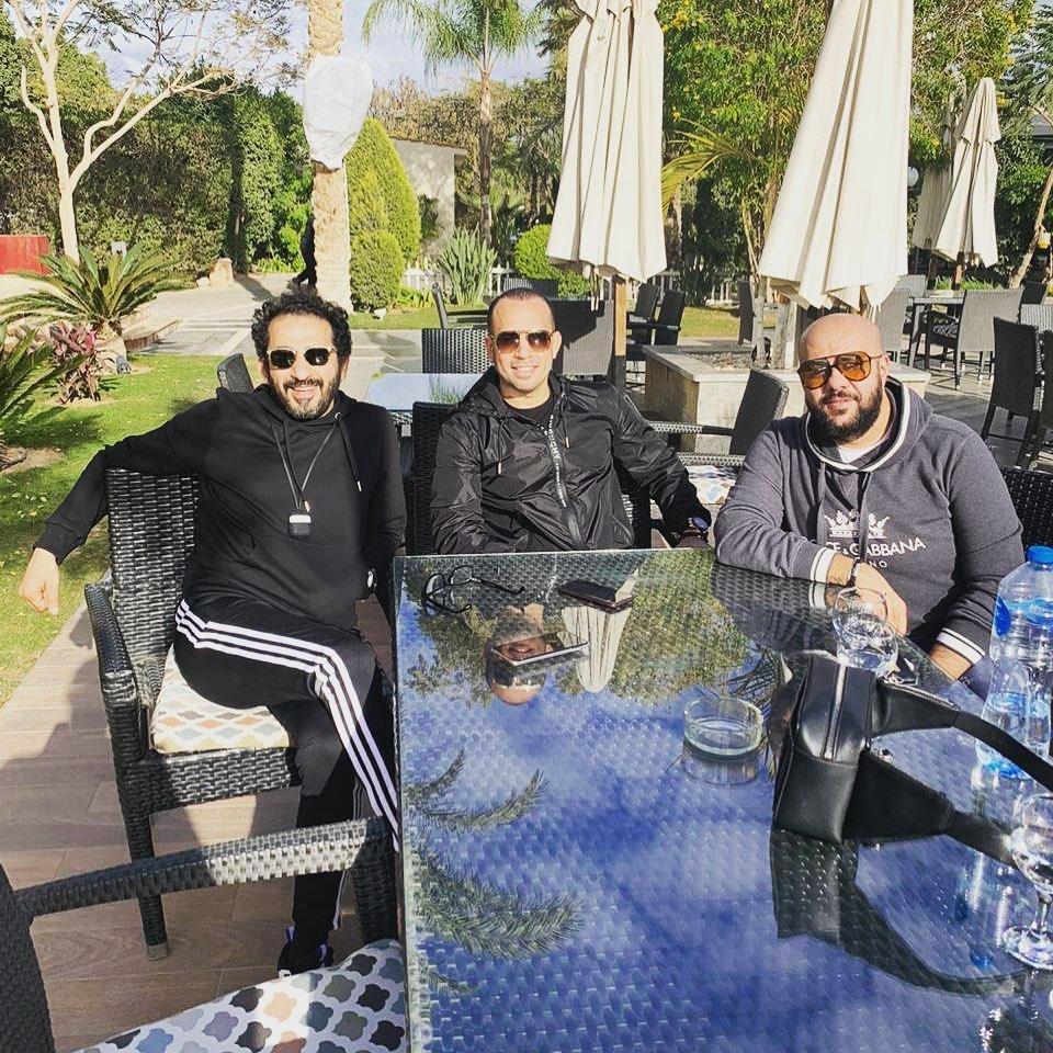 أحمد حلمى وأصدقائه بيشوى ومحمد زكى