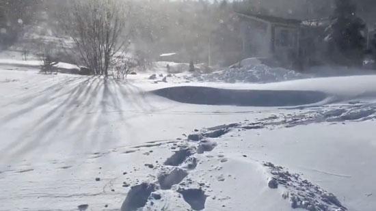 الثلوج الكثيفة بكندا