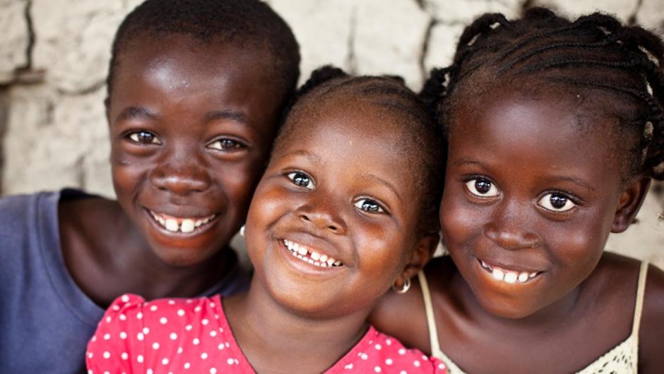 عادات وتقاليد لشعوب اهل زامبيا 341111-children