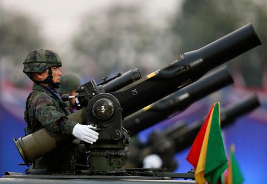 العرض العسكرى فى تايلاند
