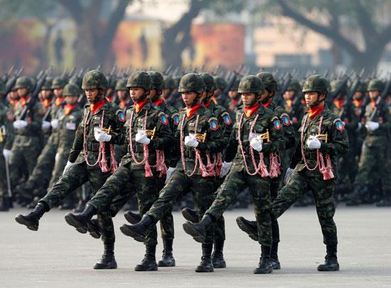 الاستعراض العسكرى بتايلاند