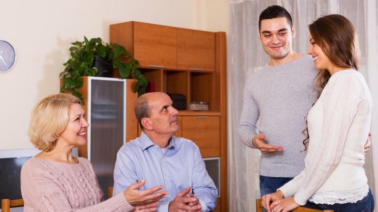 نصائح للتعامل مع والدة الزوج
