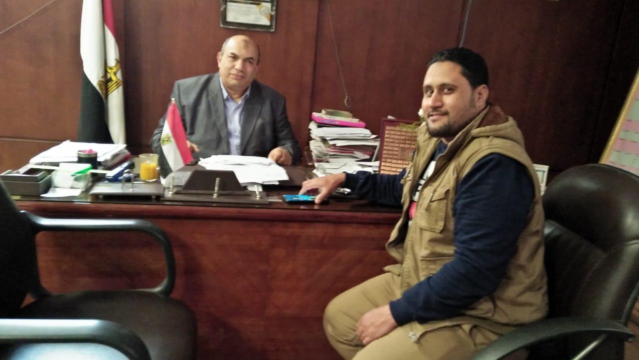 مراسل اليوم السابع مع مدير معهد الكبد القومى بجامعة المنوفية (3)