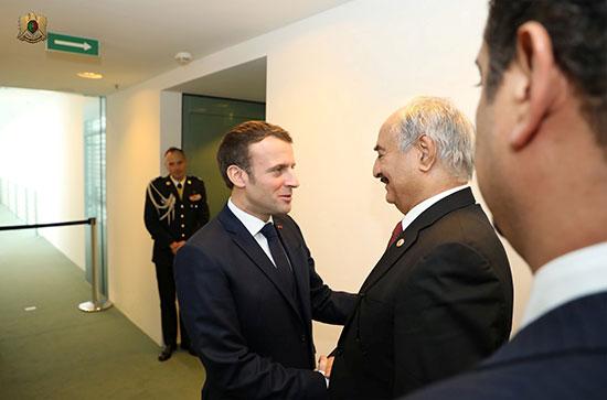 الرئيس الفرنسى والمشير خليفة حفتر