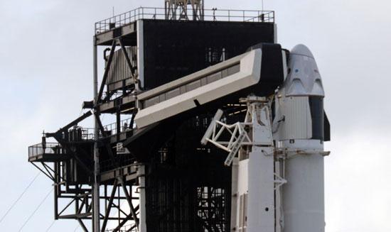شركة-سبيس-إكس-تستعد-لإطلاق-كبسولة-الفضاء