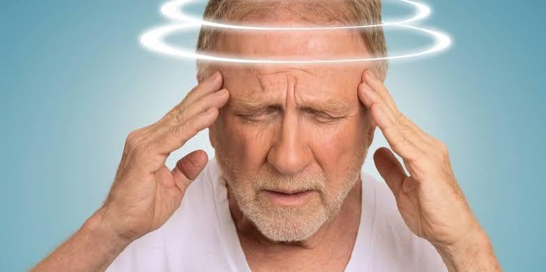 اسباب الدوخة والدوار قد تكون إشارة للسكتة الدماغية أو مشكلة بالأذن اليوم السابع