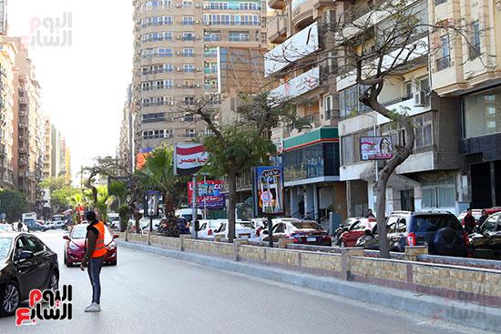 أعمال التطوير ازالت الحديقة بالشارع