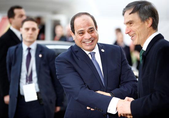 استقبال الرئيس عبد الفتاح السيسى عقب وصوله لمقر قمة الاستثمار
