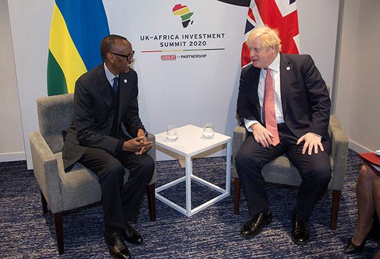 رئيس الوزراء البريطاني بوريس جونسون يلتقي برئيس رواندا بول كاجامي