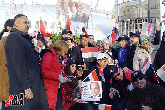 محمد فؤاد يغنى للجالية المصرية فى لندن (5)