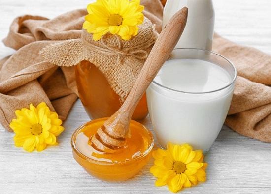 وصفات طبيعية ـ العسل والحليب