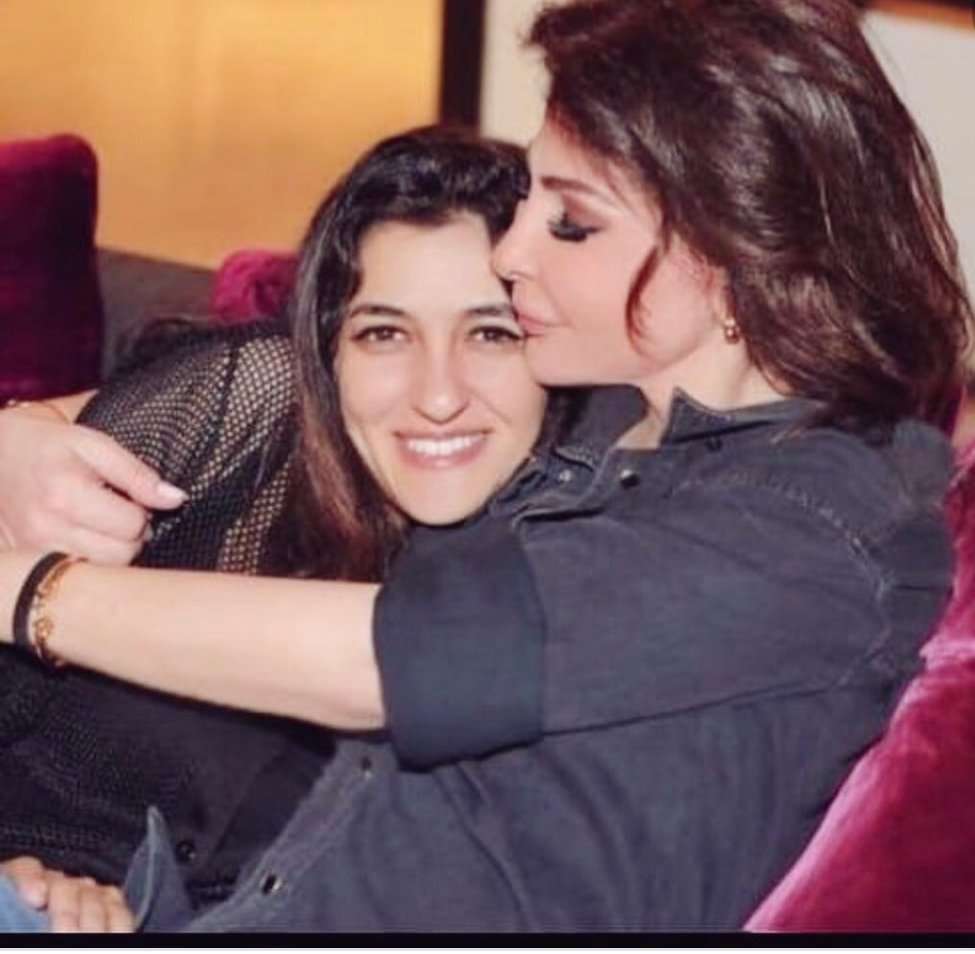 إليسا تحتفل بعيد ميلاد صديقتها المصرية أنجيلا: يارب أيامك تكون جميلة مثل  قلبك - اليوم السابع