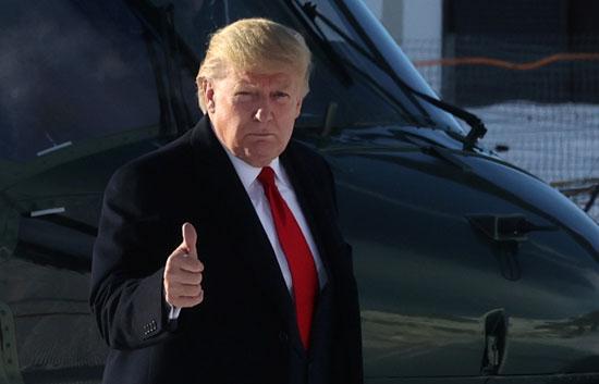 الرئيس-ترامب-عقب-وصوله-إلى-دافوس