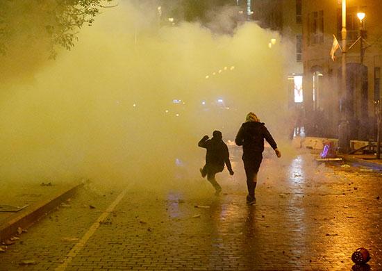 مظاهرات لبنان على الفساد وسوء الادارة