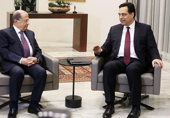 رئيس الوزراء المكلف حسن دياب يلتقي بالرئيس اللبناني ميشال عون