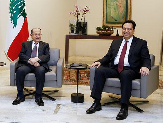 رئيس الوزراء المكلف حسن دياب يلتقي بالرئيس اللبناني ميشال عون في القصر الرئاسي