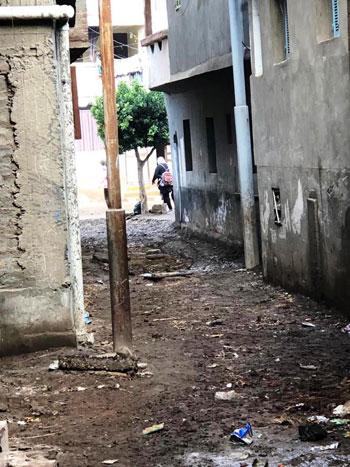 غرق طرق ومنازل الزعاترة بالمياه (4)