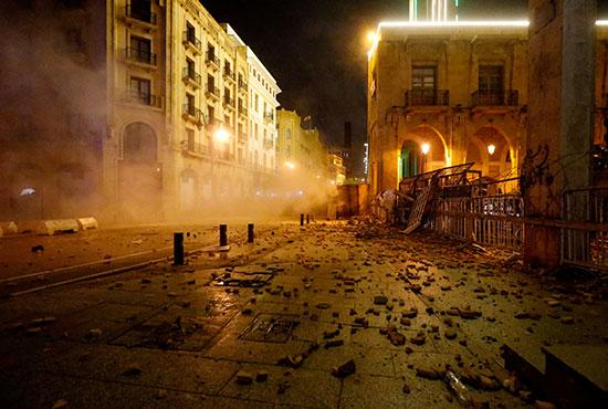 الاحتجاجات الشعبية تتسبب فى أكبر أزمة اقتصادية تشهدها لبنان