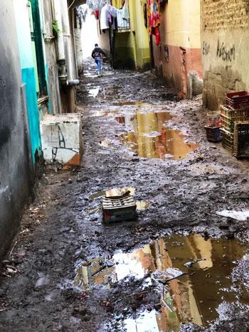 غرق طرق ومنازل الزعاترة بالمياه (2)