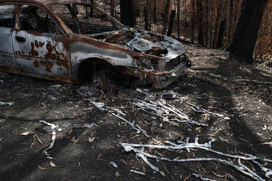 سيارة-دمرت-فى-الحرائق