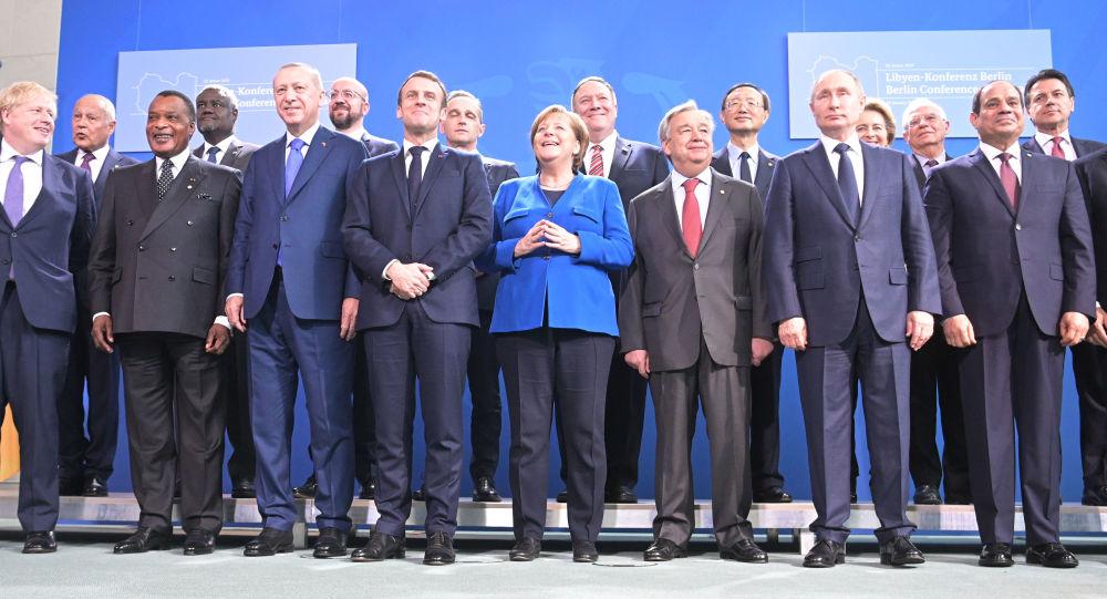 صورة للزعماء المشاركين فى مؤتمر برلين