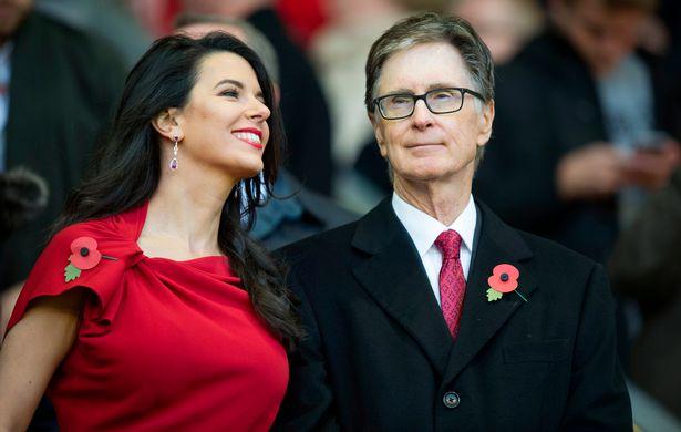 جون هنري مالك ليفربول وزوجته
