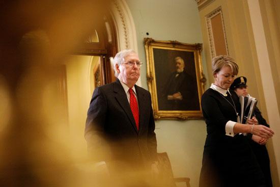 زعيم-الأغلبية-الجمهورية-بمجلس-الشيوخ-الأمريكى