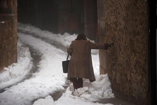 الشوارع مغطاه الثلوج