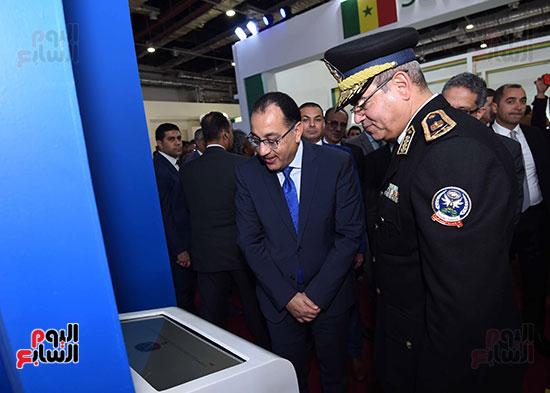 مصطفى مدبولى يفتتح معرض القاهرة الدولى للكتاب (7)
