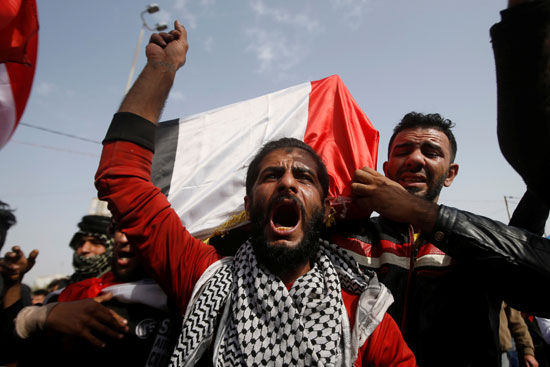 تشييع جنازة أحد شهداء المظاهرات