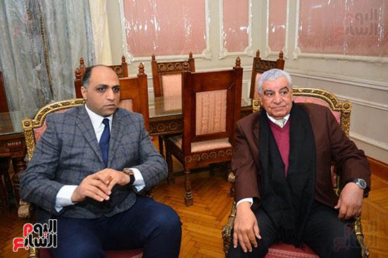 الدكتور زاهى حواس ووائل السمرى رئيس التحرير التنفيذى باليوم السابع
