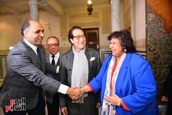 الدكتورة إيناس عبد الدايم والفنان فاروق حسنى ووائل السمرى رئيس التحرير التنفيذى باليوم السابع