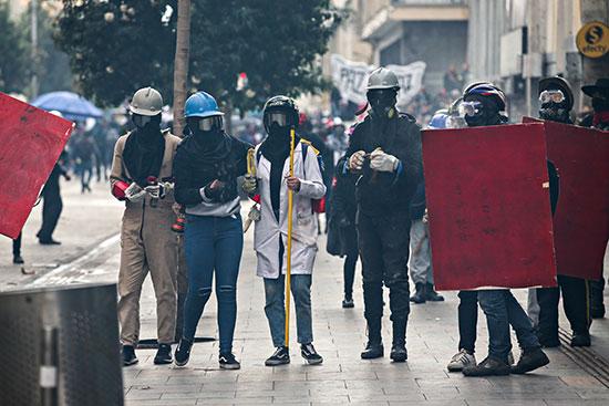 مشاركون فى الإحتجاج