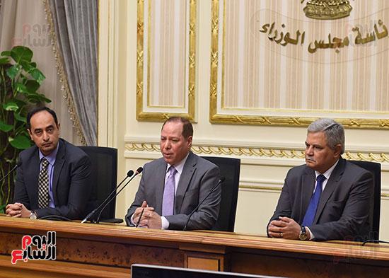 رئيس الوزراء يشهد توقيع الاتفاقية (8)