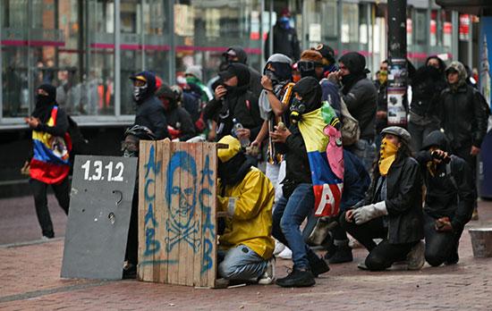 المحتجون على الحكومه الكولومبية
