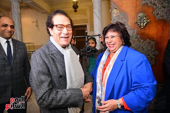 الدكتورة إيناس عبد الدايم والفنان فاروق حسنى ووائل السمرى رئيس التحرير التنفيذى باليوم السابع (1)