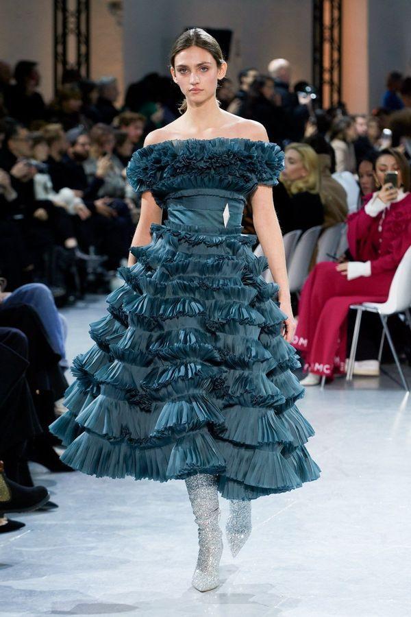فستان باللون البترولي منفوش