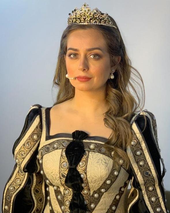 126890-126890-هبة-مجدى-بشخصيتها-فى-الملك-لير