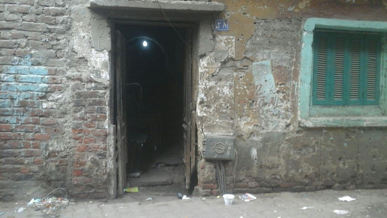 مدخل منزل المجنى عليه