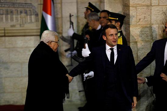 ماكرون يزور عباس فى رام الله بالضفة الغربية