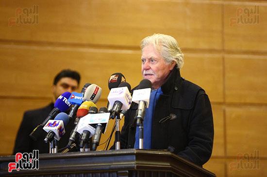مؤتمر عن الاولمبياد  (2)