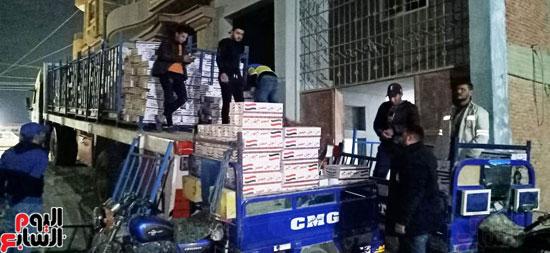 مستقبل وطن يدفع بكراتين غذائية في محافظة الفيوم (5)