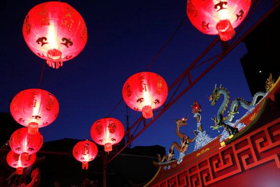 احتفالات رأس السنة الصينية بإندونيسيا