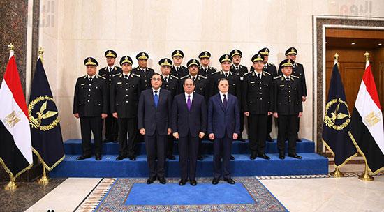 الرئيس والمجلس الاعلى للشرطة